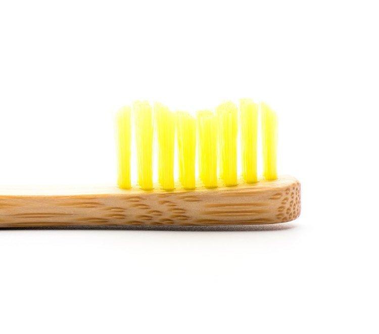 Humble Brush Szczoteczka dla dzieci, bambusowa ULTRA SOFT żółta 14,5cm.