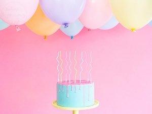 Świeczki urodzinowe do tortu zakręcone mix kolor