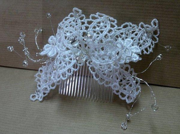 Stroik do włosów koronkowy z perełkami