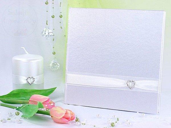 Księga wpisów gości weselnych biała z sercem KWA10