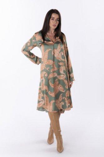 satynowa sukienka w orientalne wzory