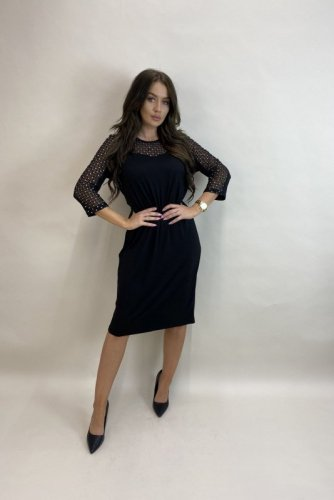 sukienka z błyszczącymi elementami