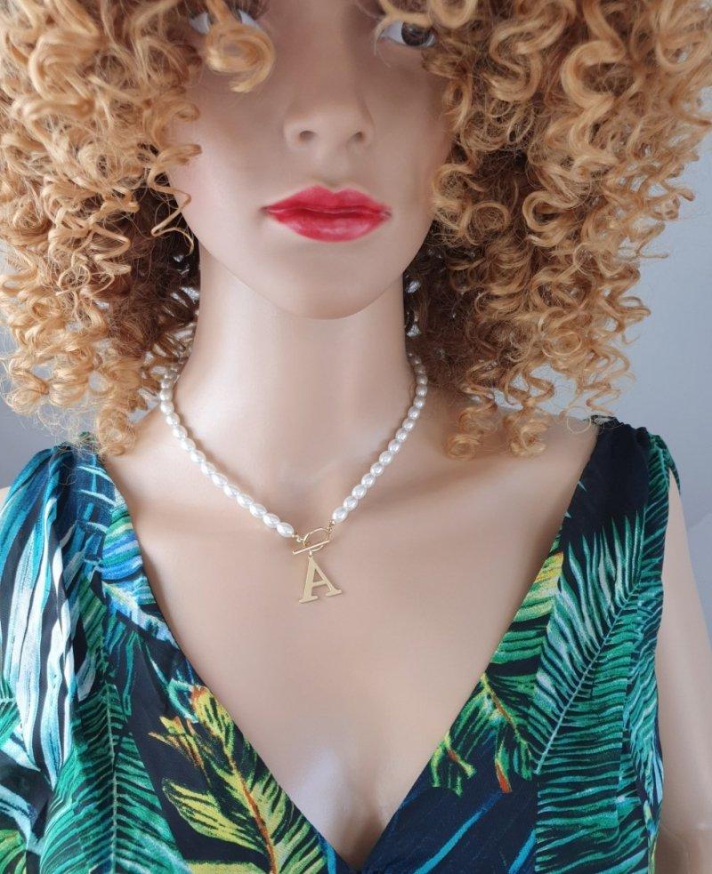 704 Złoty łańcuszek celebrytka perełki naszyjnik stal chirurgiczna literka A