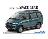 Aoshima 05667 Mitsubishi PE8W Delica Space Gear '96 1/24