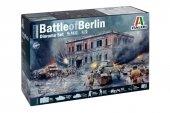 Italeri 6112 BATTLE of BERLIN Diorama Set (1:72)