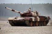 Trumpeter 09555 Russian T-72B1 MBT (w/kontakt-1 reactive armor) (1:35)