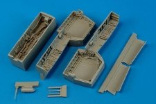 Aires 2182 F-14 Tomcat wheel bay 1/32 Trumpeter