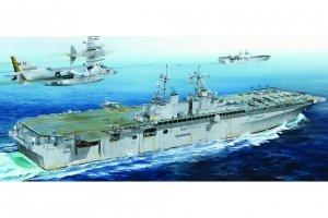 Hobby Boss 83405 USS Boxer LHD-4 1/700