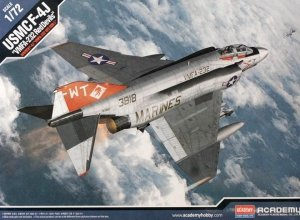 Academy 12556 F-4J VFMA-232 Red Devils 1:72