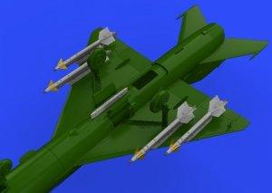 Eduard 672188 R-13M missiles w/ pylons for MiG-21 1/72