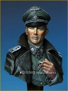 Young Miniatures YM1811 SS TOTENKOPF OFFICER WWII 1/10