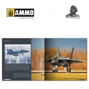 HMH Publications DH-012 Mikoyan MiG-31 Foxhound (English VErsion)