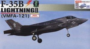 Fujimi 723228 F-35B Lightning II (VMFA-121) Special Edition (w/Painted Pedestal) 1/72