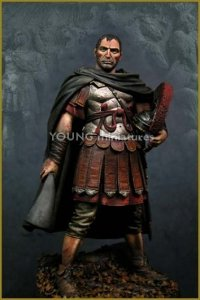 Young Miniatures YH9002-R Roman Officer 1st A.D 90mm