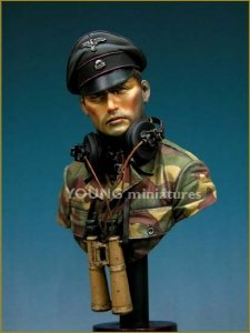 Young Miniatures YM1805 SS Panzer Officer Normandie 1944 1/10