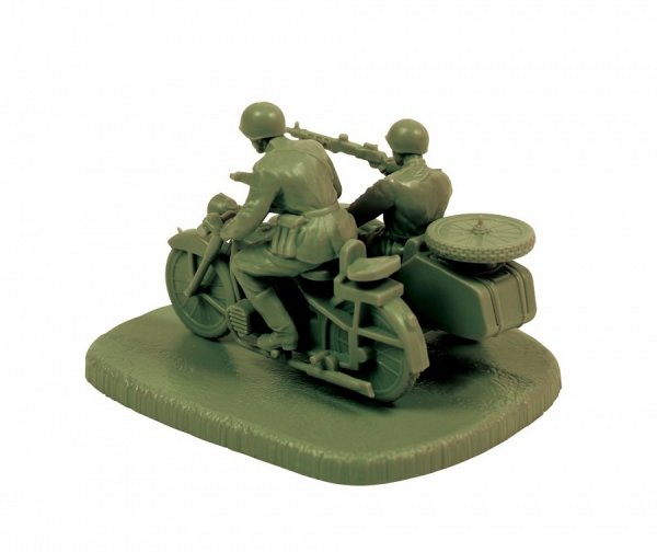 Zvezda 6277 Soviet Motorcycle M-72 with Sidecar and Crew