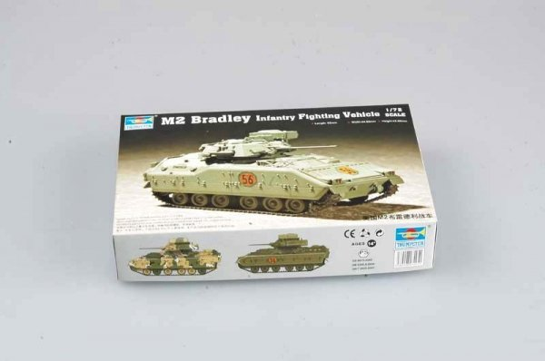 Trumpeter 07295 M2A0 Bradley Fighting Vehicle (1:72)