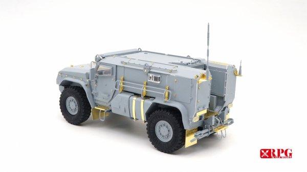 RPG Model 35021 KAMAZ K-4386 Typhoon-VDV Mine-Protected Armoured Vehicle Early Typ 1/35