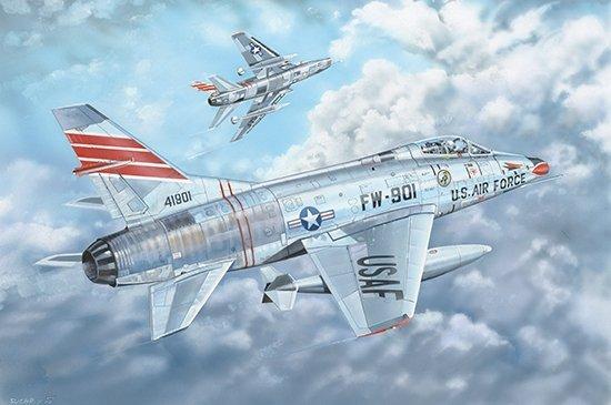 Trumpeter 03221 F-100C Super Sabre