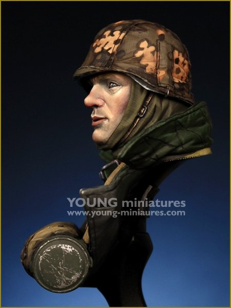 Young Miniatures YM1889 WWII German Feldgendarmerie 1/10