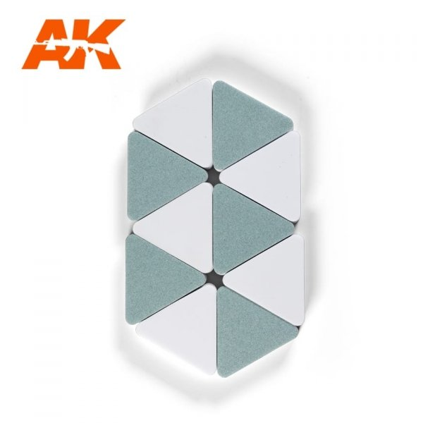 AK Interactive AK 9029 DOUBLE SIDED SPONGE (SEMI-GLOSS EFFECT / FINE POLISHING)