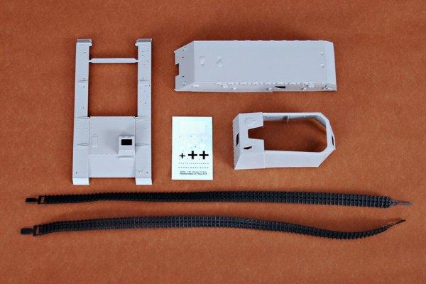 Trumpeter 00350 German 12.8cm Selbstfahrlafette L/6 Sturer Emil (1:35)