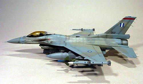 Hasegawa D18 F-16CJ Block 50 (1:72)