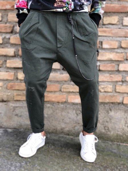 Pantaloni uomo, particolari verde militare - Pantaloni uomo, cropped