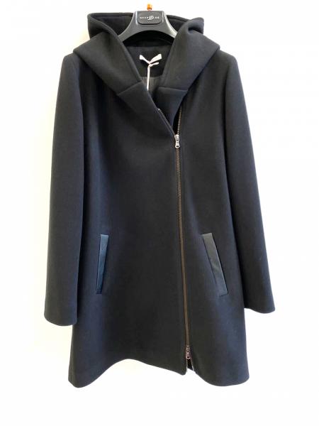 Cappotto con cappuccio, nero con cerniera laterale - Gogolfun.it