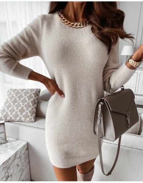 Abito in maglia, bianco - Con collana