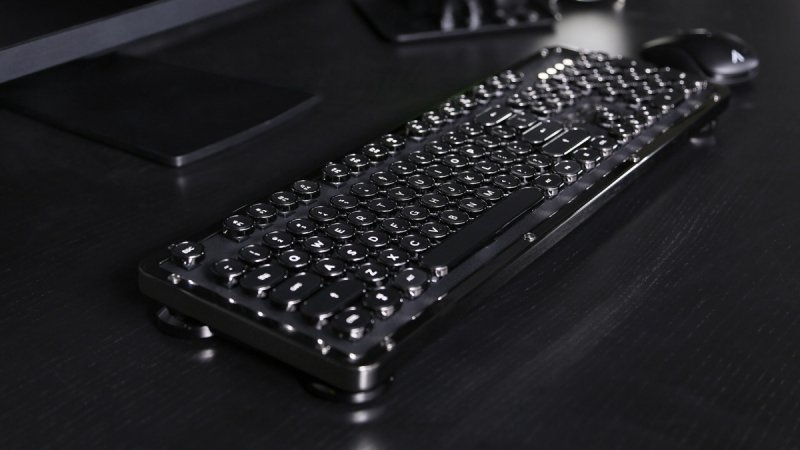 AZIO RETRO Classic ONYX BT  - ekskluzywna bezprzewodowa klawiatura mechaniczna