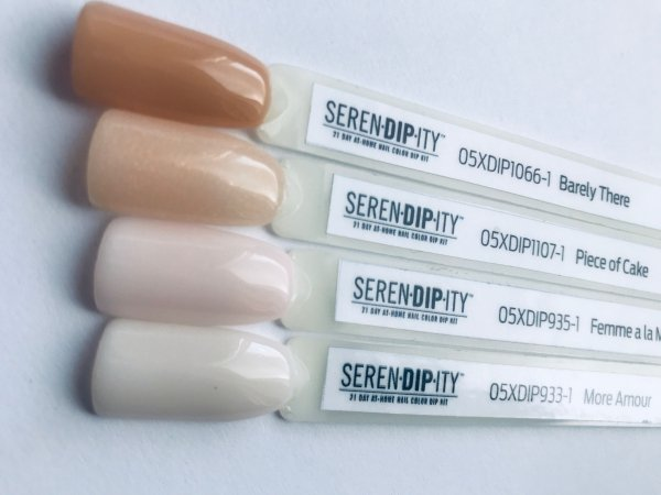 Color Club puder do tytanowego 28g - SERENDIPITY More Amour n.933