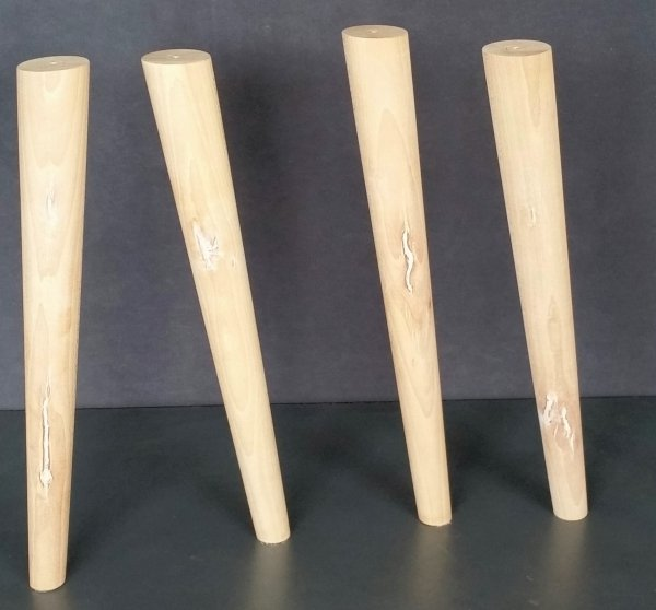 Noga drewniana do mebli 32 B /stożek skos/II gatunek
