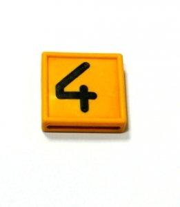Numer 4 na obroże identyfikacyjną
