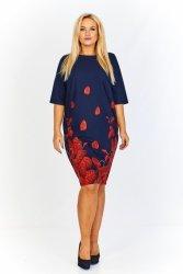 Sukienka 40-48 o pudełkowym kroju z rękawem 3/4 i ciekawym wzorem