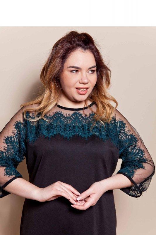 Elegancka-dzianinowa-sukienka-wykończona-koronką-TR1788-Green-sukienka-plus-size-XXL-duze-rozmiary-online-sklep-internetowy-przod