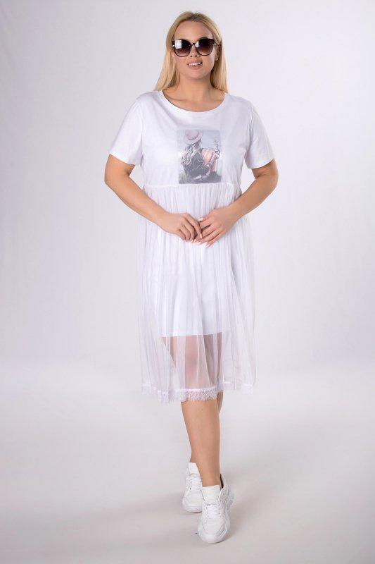 dopasowana sukienka z tiulową spódnicą i naszywką na biuście