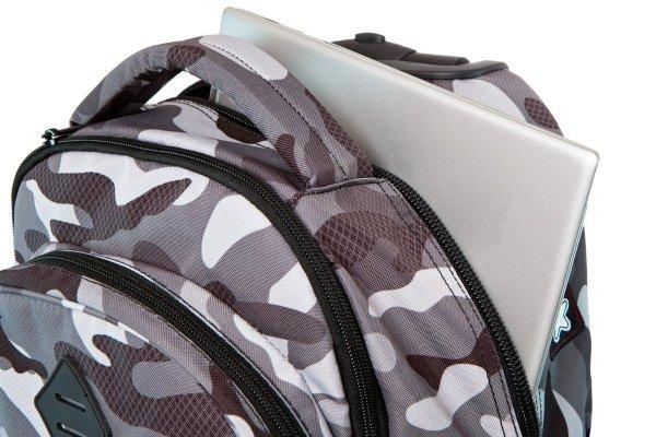 Plecak CoolPack JUNIOR na kółkach szare moro w znaczki CAMO BLACK BADGES (23896)