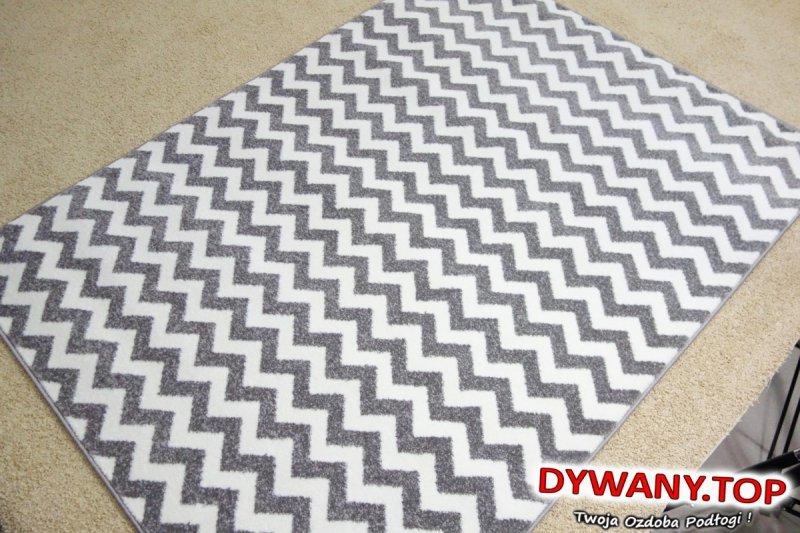 dywany w zygzaki szare