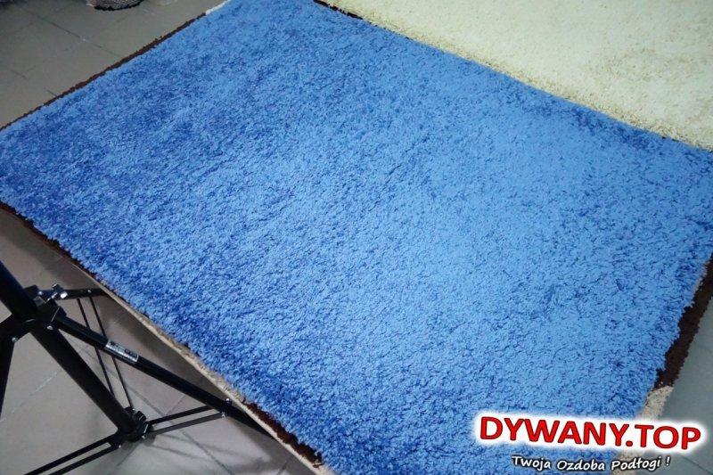 niebieskie shaggy