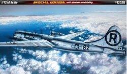 Academy ACADEMY B-29A Enola Gay & Bocks car