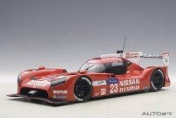 AUTOART Nissan GT-R Nismo #23 Pla/Mardenbough/Chilton Le Mans 2015 (composite model/2-door openings)