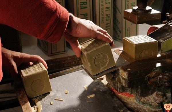 Mydło marsylskie ECOCERT 72% Oliwa z oliwek bezzapachowe 300 g / SAVON DE MARSEILLE Rampal Latour