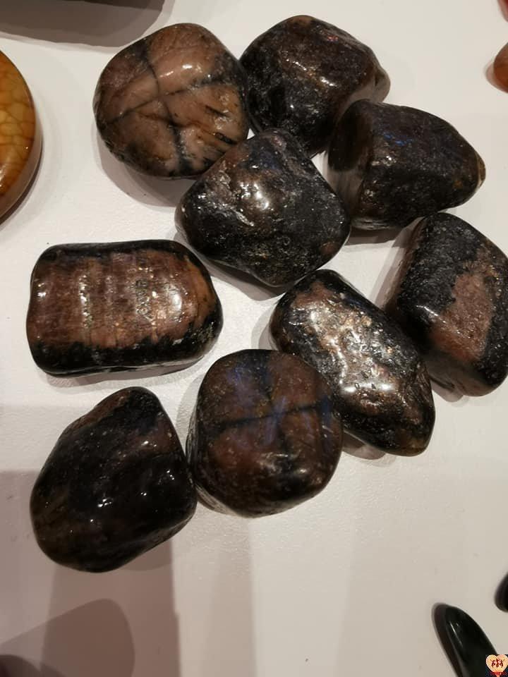 Chiastolit (kamień krzyżowy, andaluzyt)