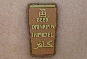Naszywka 3D - Beer drinking infidel - Coyote