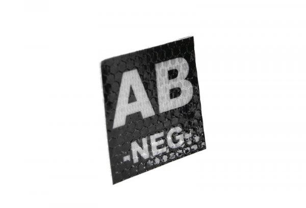 Naszywka IR z grupą krwi: AB NEG