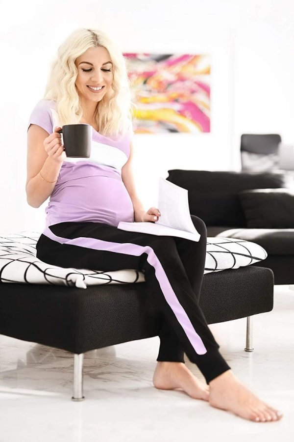 MijaCulture Wygodne spodnie dresowe ciążowe Coco M003 czarny/fiolet2