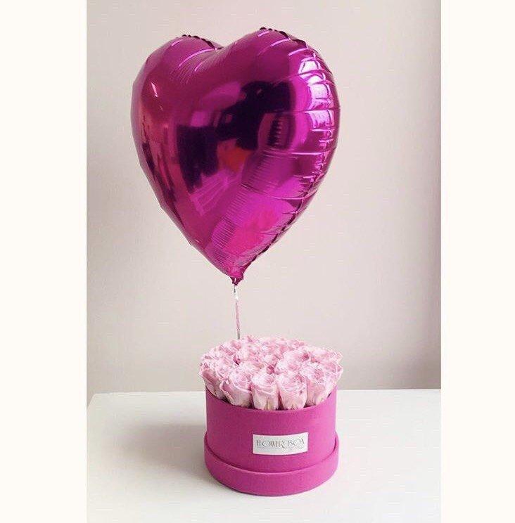 Balon z helem w kształcie serca