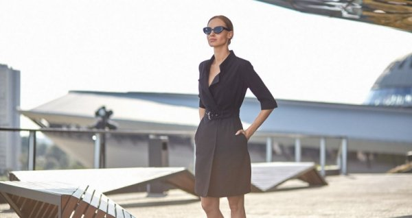 S120 Sukienka żakietowa z paskiem - czarna