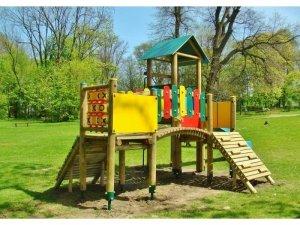 Drewniany plac zabaw 3